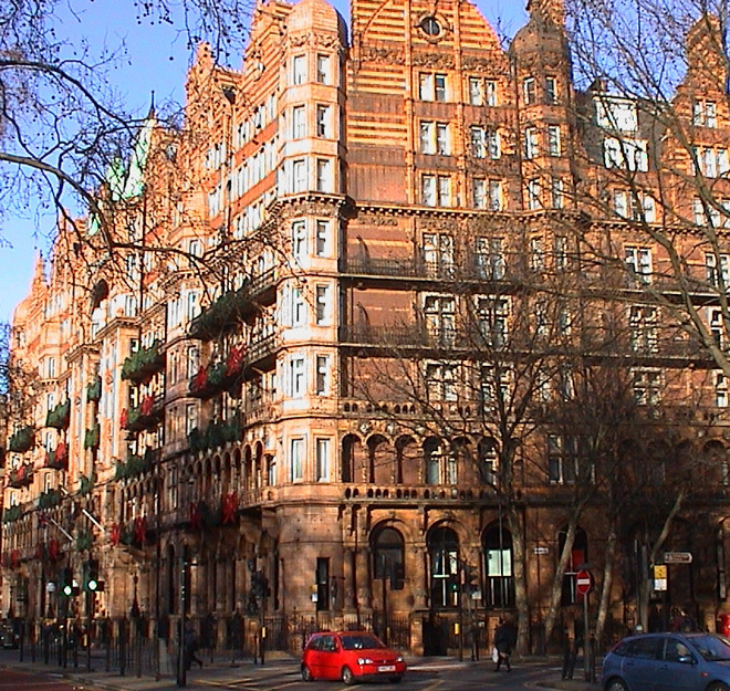 Hotel russell disraeli london remembers aiming to for Hotels ussel