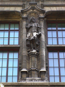 V&A façade - William Caxton