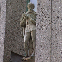Imperial Hotel - statue 19