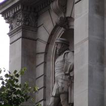 Sir Thomas Gresham statue